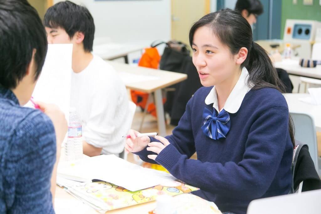 志望理由を語る生徒