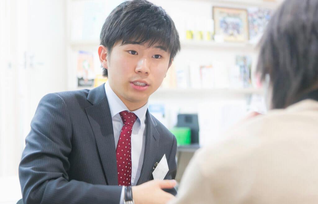 AO入試について説明する講師